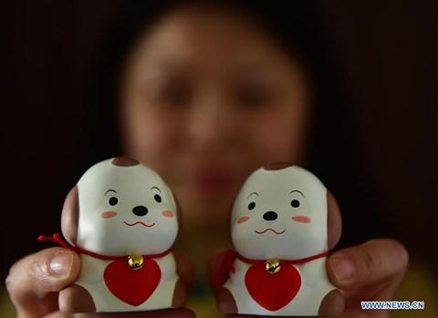 Rực rỡ sắc đỏ Tết Nguyên đán tại làng nghề Trung Quốc - 5