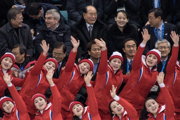 """""""Đội quân mỹ nữ"""" của Triều Tiên bị phạt nặng nếu trái lệnh? - 2"""