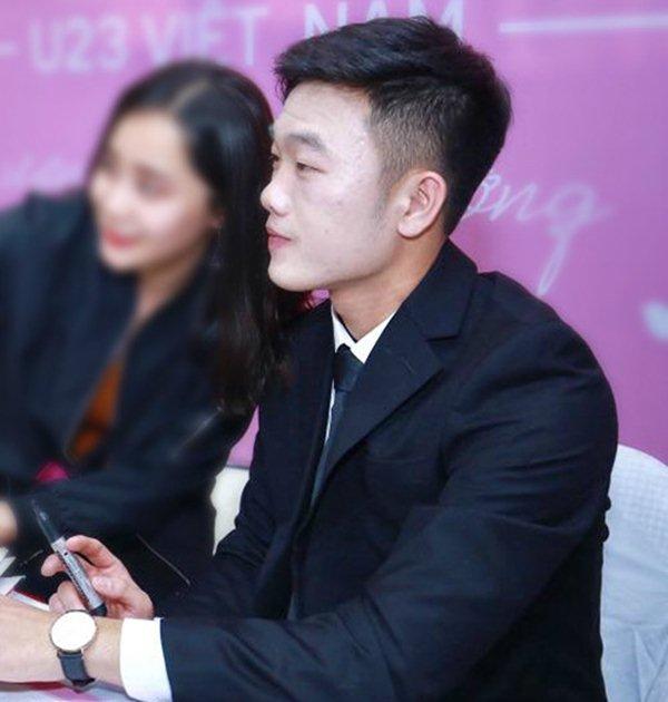 """Hốt hoảng với gương mặt """"đắp bột"""" của đội trưởng U23 VN Xuân Trường - 2"""