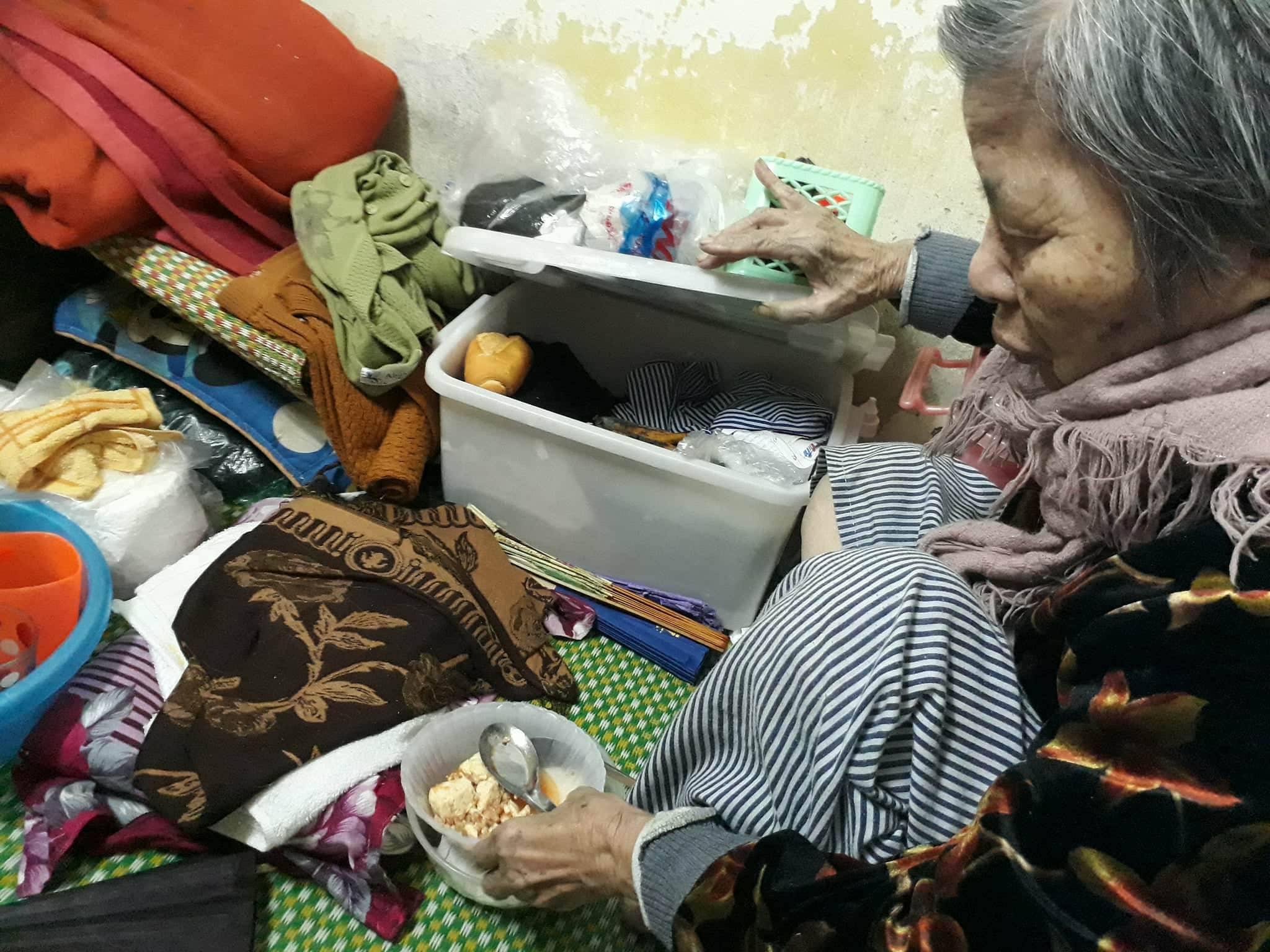Ngày cận Tết của cụ bà gần 90 tuổi nuôi 2 con tâm thần giữa Thủ đô - 2