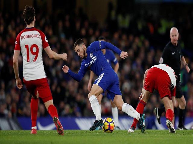 """Chelsea đại thắng: Hazard """"bung lụa"""", hăm dọa Barca 9"""
