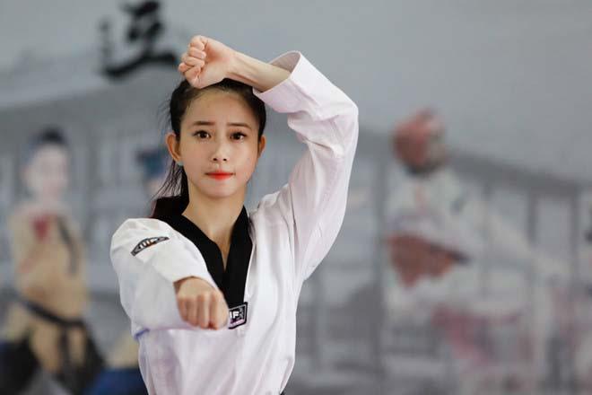 Châu Tuyết Vân: Từ cô nàng cứng đầu đến nhà vô địch thế giới 2