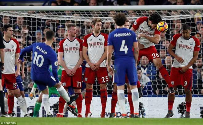 """Chelsea đại thắng: Hazard """"bung lụa"""", hăm dọa Barca 4"""