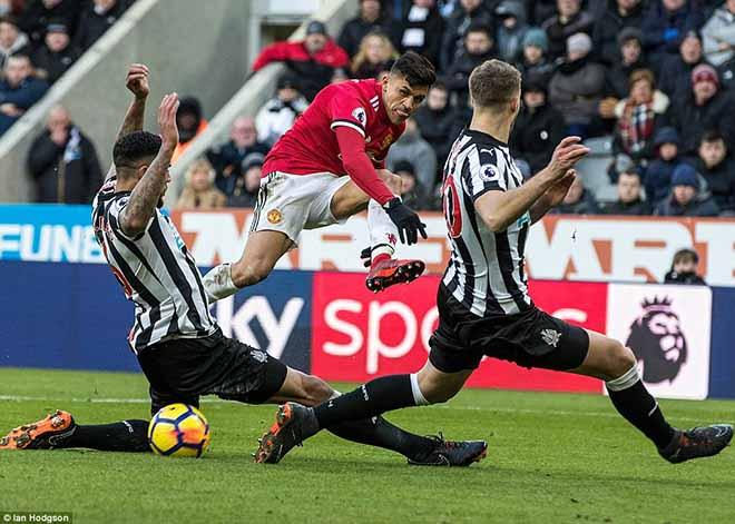 MU đánh mất bản lĩnh: Kém ngược dòng, Mourinho thua xa Sir Alex 1