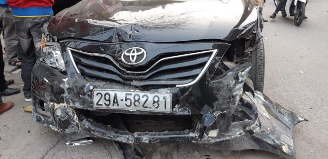 """""""Xe điên"""" gây tai nạn kinh hoàng trên đường Trần Phú chiều 28 Tết - 2"""