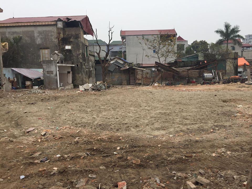 Dân làng Quan Độ phủ bạt lên nóc nhà đón Tết sau vụ nổ rung chuyển Bắc Ninh - 2