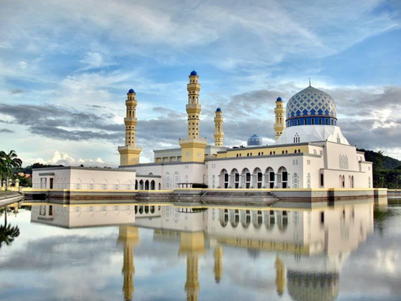 Khám phá cung điện dát vàng lớn nhất thế giới của nhà vua Brunei - 5