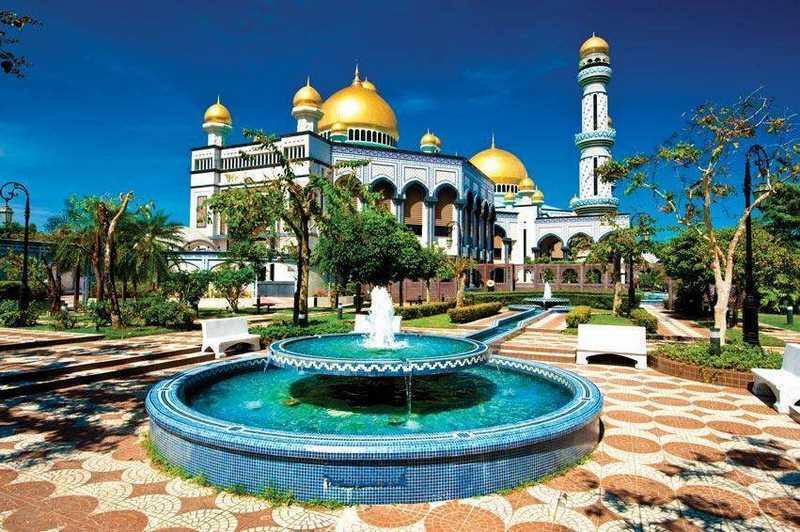 Khám phá cung điện dát vàng lớn nhất thế giới của nhà vua Brunei - 3