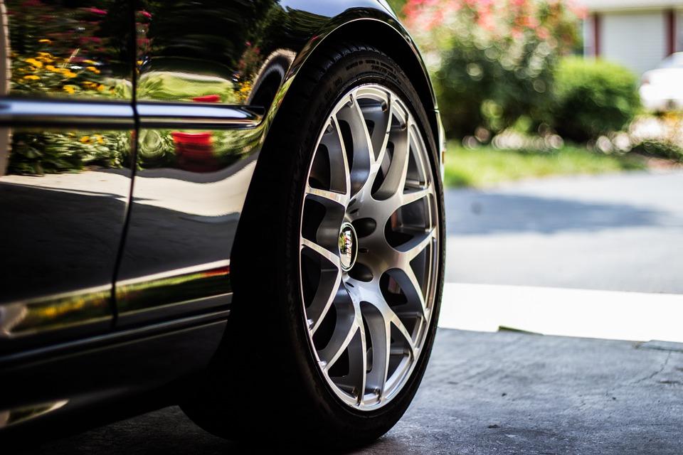 Lốp ô tô bao lâu nên thay thế? - 1