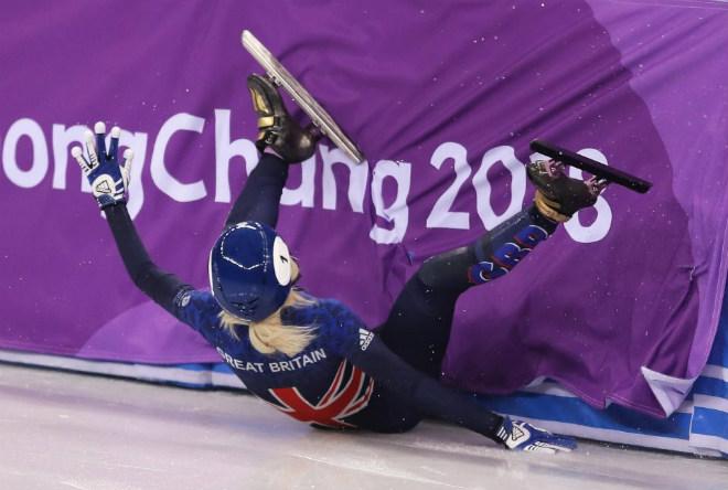 Tin nóng Olympic mùa đông 14/2: Nhà vô địch World Cup ngã nhào, bật khóc nửc nở 1