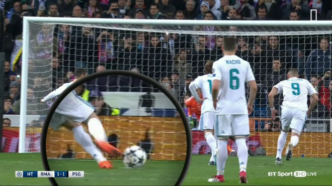 Ronaldo đá phạt đền sai luật: PSG thua đau, Neymar sút vỡ mặt trọng tài 1