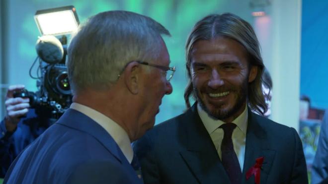"""Sự kiện lịch sử: Beckham nổi điên vì """"chiếc giày bay"""", Sir Alex đau tột độ 2"""