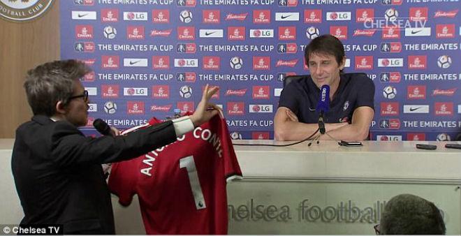 Tin HOT bóng đá tối 16/2: Wenger công bố kế hoạch tương lai 3