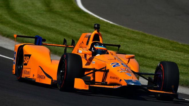 Đua xe F1, Fernando Alonso: Siêu sao lấn sân, lo tham bát bỏ mâm 2