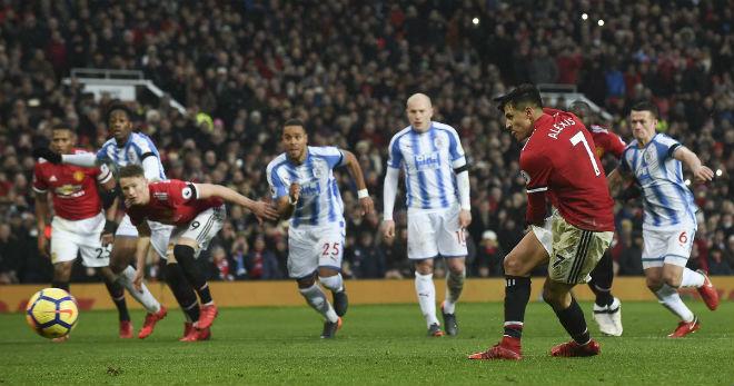 Huddersfield – MU: Ngã ở đâu, đứng dậy ở đó 2
