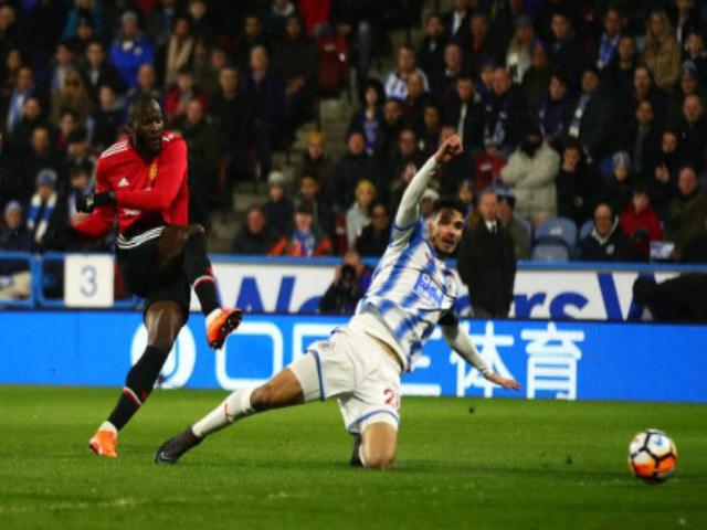 Tin HOT bóng đá tối 18/2: Huyền thoại MU giải nghệ vì... Bale 5