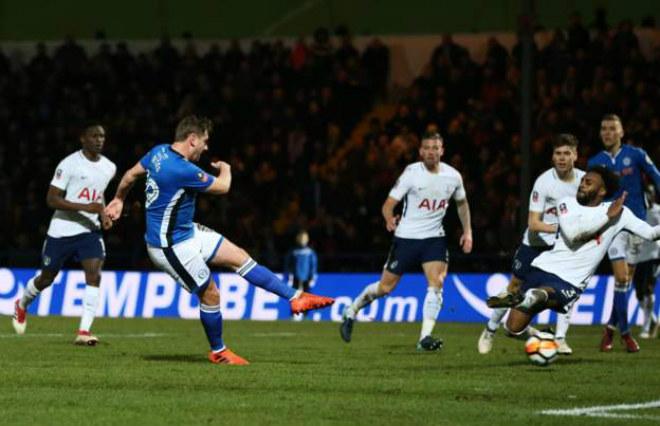 Rochdale - Tottenham: Rượt đuổi nghẹt thở, ôm hận phút 90+3 5