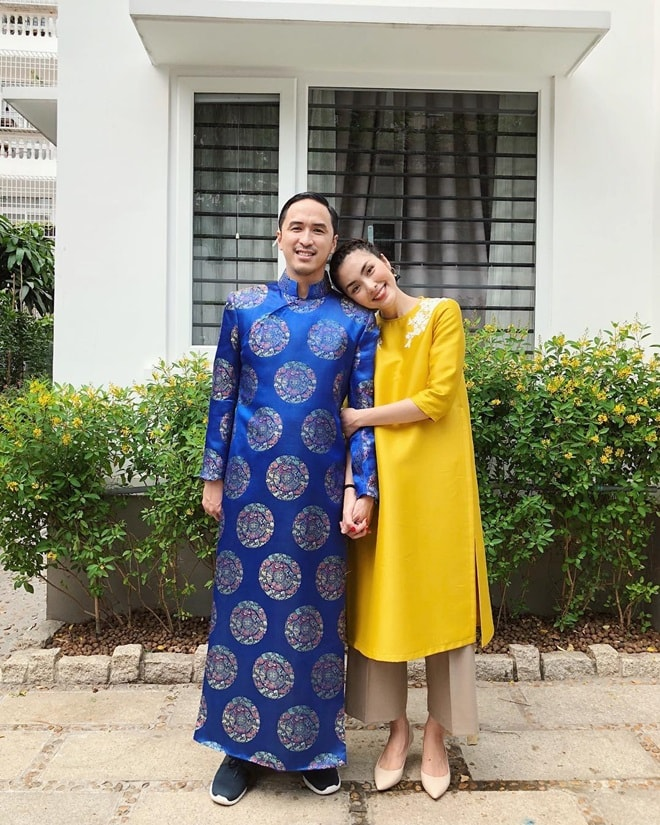 Gia đình Tăng Thanh Hà diện áo dài đón Tết
