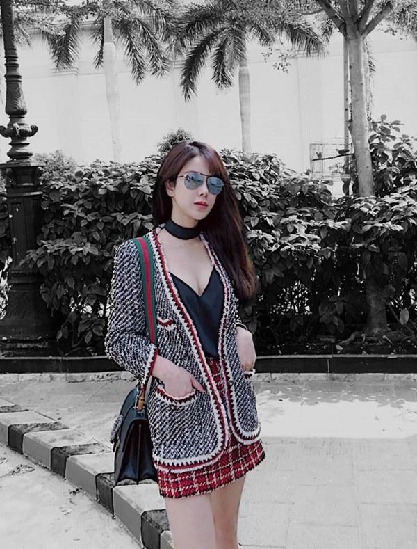 """Không diện áo dài, """"bom sexy"""" Diệp Lâm Anh và loạt mỹ nhân Việt mặc gì xuống phố?"""