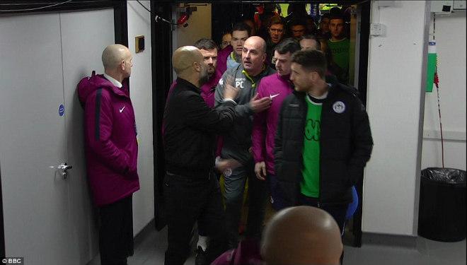 Man City thua sốc FA cup, Pep Guardiola suýt ẩu đả với HLV Wigan 8