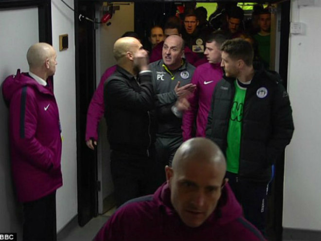 Man City thua sốc FA cup, Pep Guardiola suýt ẩu đả với HLV Wigan 10