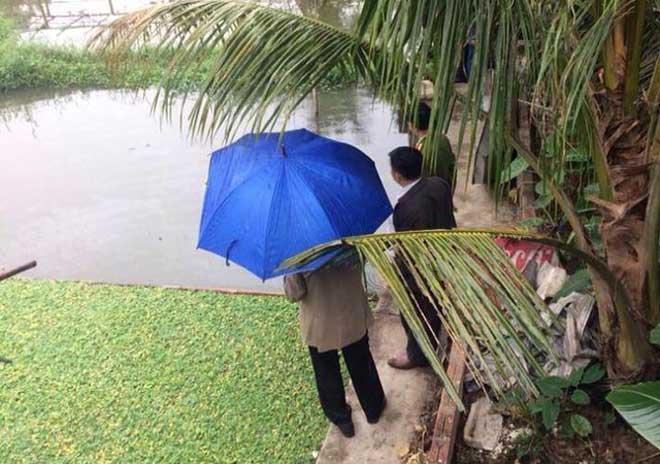 Mồng 5 Tết, vợ phát hiện chồng tử vong dưới ao với 2 vết đâm
