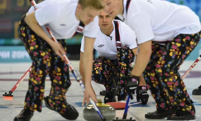 Tin nóng Olympic mùa đông 20/2: Thêm sự cố tuột áo khiến VĐV bối rối 2