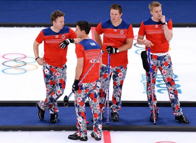 Tin nóng Olympic mùa đông 20/2: Thêm sự cố tuột áo khiến VĐV bối rối 6
