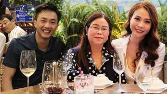 """Cường Đô La """"ra mắt"""" gia đình Đàm Thu Trang"""