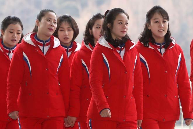 """Cận cảnh màn đồng diễn """"triệu like"""" của mỹ nữ Triều Tiên (Olympic mùa đông 2018) 3"""