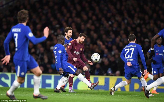 """Messi khuất phục Chelsea: Siêu nhân phá """"lời nguyền"""""""