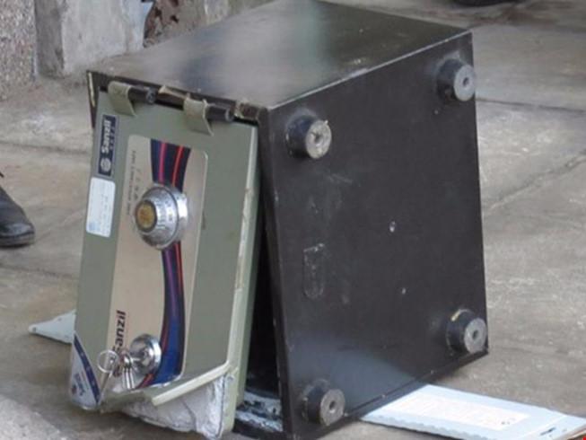 Về quê ăn Tết, trộm đột nhập phá két lấy gần nửa tỷ đồng