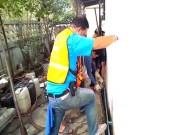 Thế giới - Thái Lan: Tìm vật nuôi mất tích, không ngờ lôi ra trăn khổng lồ
