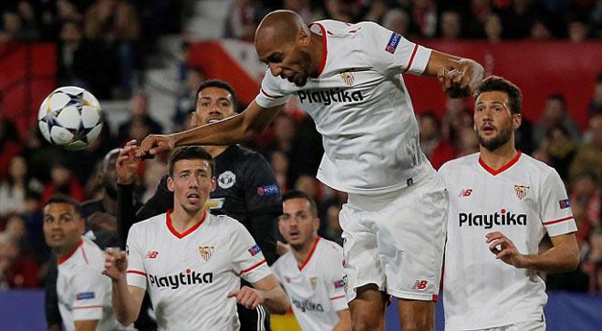 """Sevilla - MU: Khung thành rung chuyển, """"Người nhện"""" siêu đẳng"""