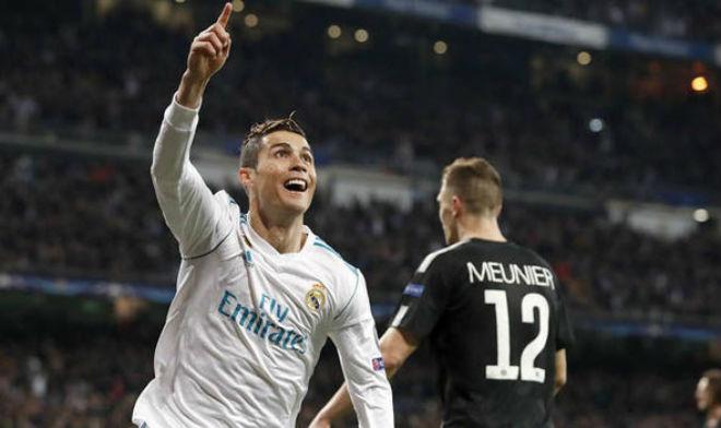 """Hạ thấp PSG – Chelsea, Ronaldo nhắn tin hẹn Messi đấu """"El Clasico"""" cúp C1 1"""