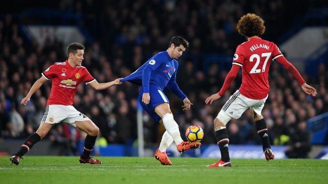 """MU đấu Chelsea: Đại chiến hạng hai, """"The Blues"""" sẽ mất vé C1? 2"""