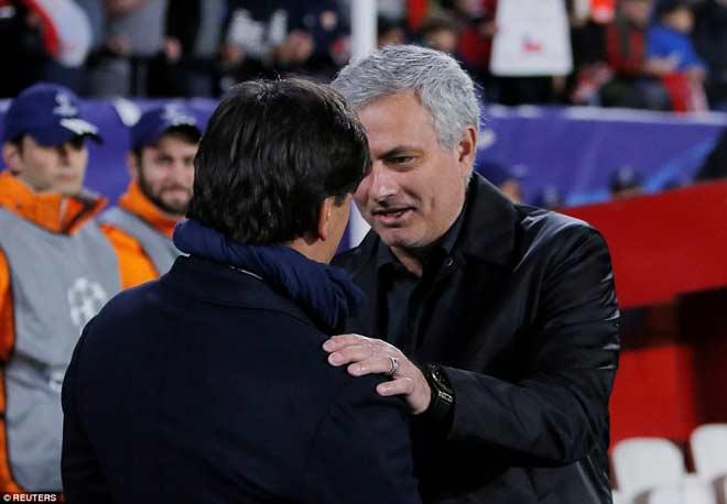 MU quá thực dụng trước Sevilla: Fan đay nghiến Mourinho, thương De Gea 1