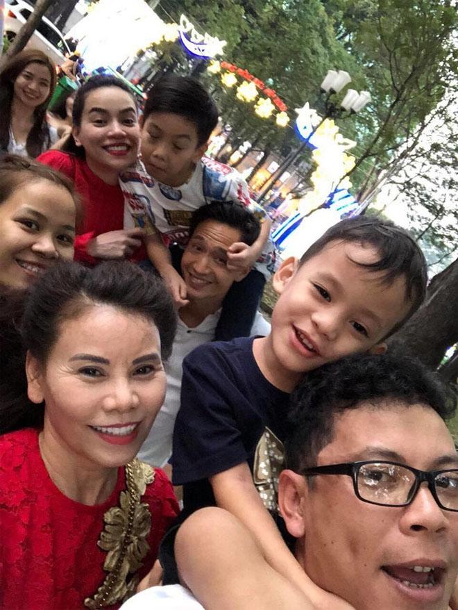 Kim Lý ngày càng được lòng con riêng và gia đình Hà Hồ - 1