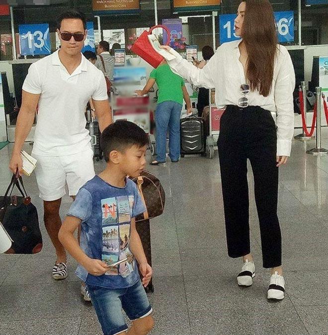 Kim Lý ngày càng được lòng con riêng và gia đình Hà Hồ - 7