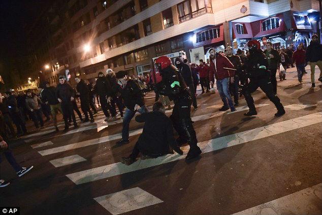 Tin HOT bóng đá tối 23/2: Arsenal đại chiến Milan ở vòng 1/8 Europa League 3