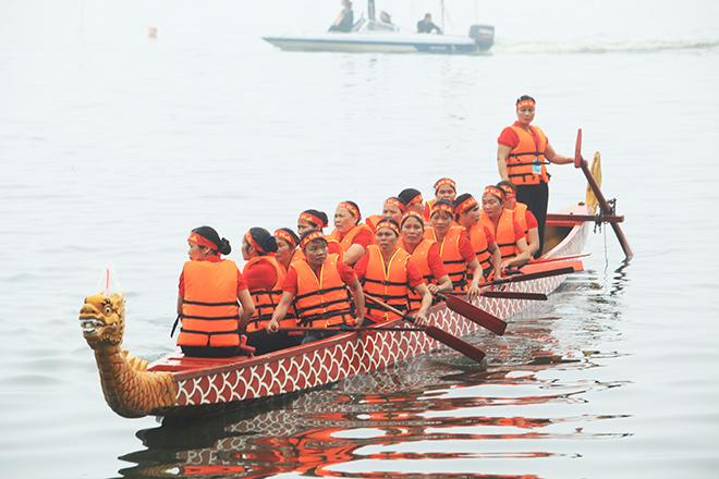 Lễ hội đua thuyền Hồ Tây: Đội Hà Nội đua kiểu lạ - 4