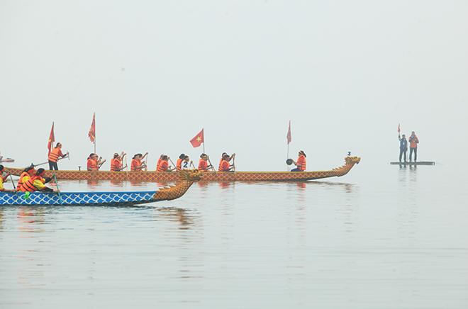 Lễ hội đua thuyền Hồ Tây: Đội Hà Nội đua kiểu lạ - 9