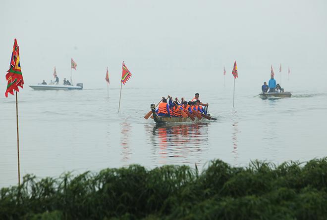 Lễ hội đua thuyền Hồ Tây: Đội Hà Nội đua kiểu lạ - 15
