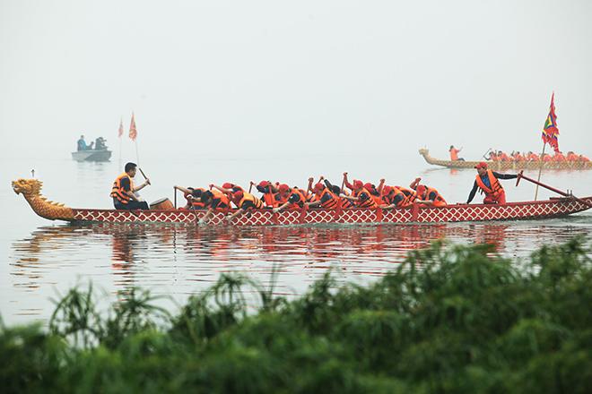 Lễ hội đua thuyền Hồ Tây: Đội Hà Nội đua kiểu lạ - 11