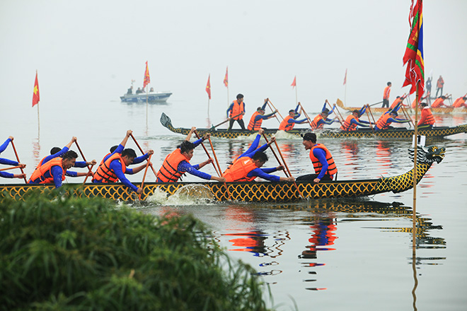 Lễ hội đua thuyền Hồ Tây: Đội Hà Nội đua kiểu lạ - 14