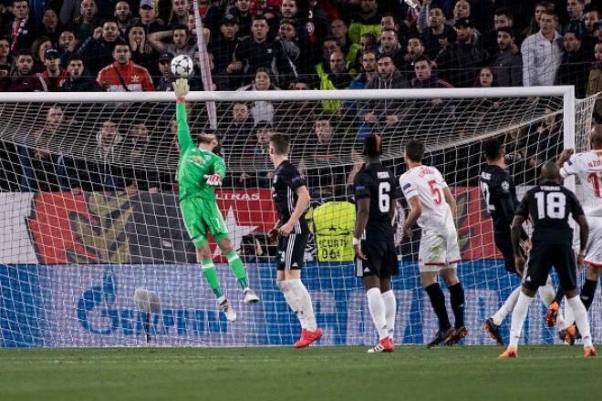 """MU tái đấu Sevilla: De Gea là """"vị thần"""", tiếp bước 2 huyền thoại vô địch C1 - 1"""