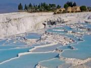 Du lịch - Suối nước nóng nằm giữa hồ băng có 1-0-2 trên thế giới
