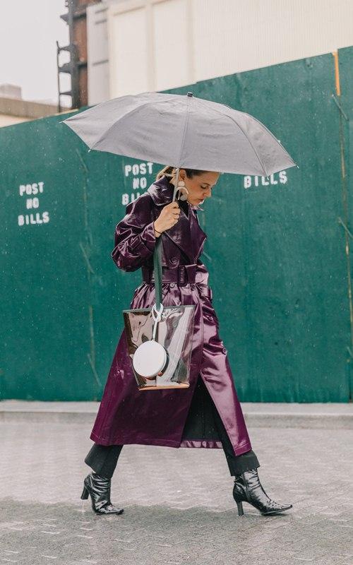 """Mặc mưa gió, tín đồ thế giới vẫn diện """"ngút trời"""" đi xem thời trang - 3"""