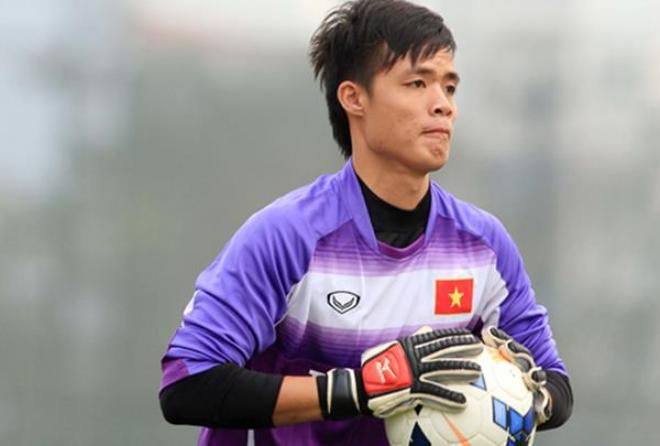 Tuấn Hưng, Việt Anh đá bóng ủng hộ thủ môn U23 có mẹ ung thư - 1