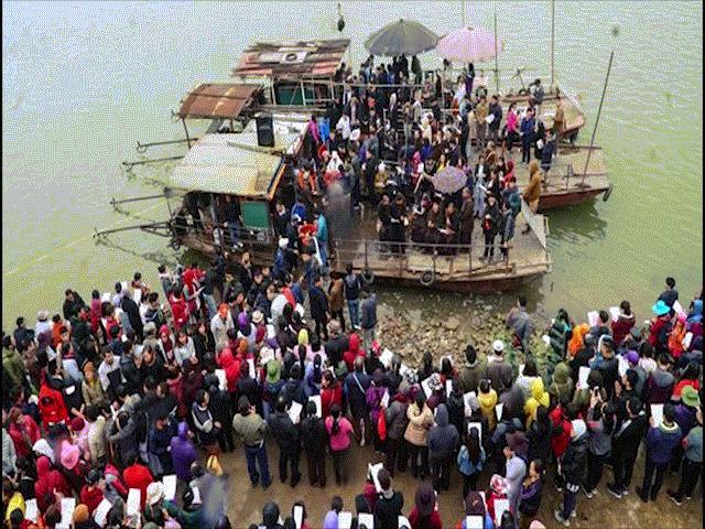 Ban tổ chức nói về nguồn gốc 5.000 con cá trong lễ phóng sinh gây tranh cãi - 2